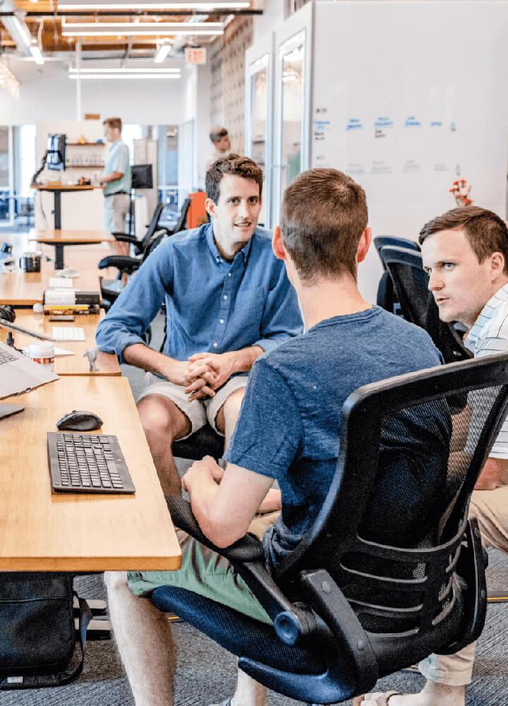 DevOps šetří firmě čas a náklady s nasazováním nových verzí software.